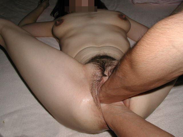 ebut-volosatie-piski-porno